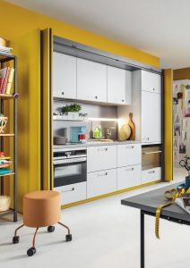 Tiny Kitchen im Wohnraum